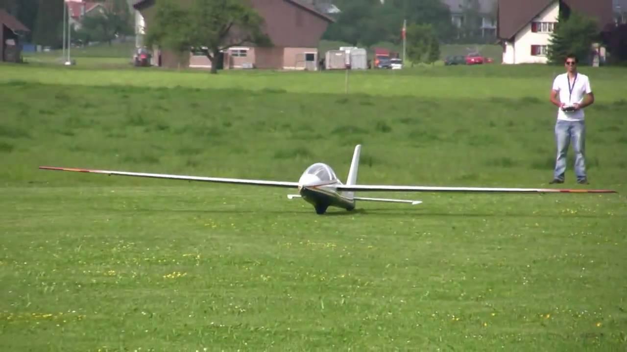 6.2m MDM-1 Fox off aerotow